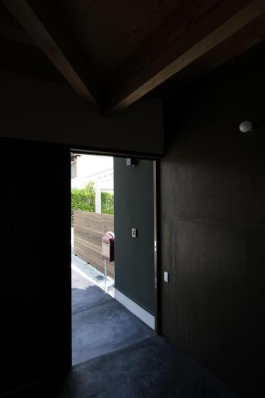 ウイングハウスの部屋 1F アプローチ