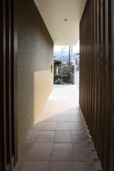 Mハウス (玄関ポーチ)