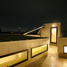 KRYM-元住吉の医院併用二世帯住宅 (絶景の屋上)