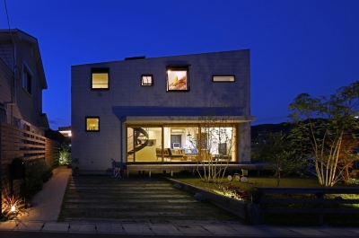 キナリの家 (外観夜景)