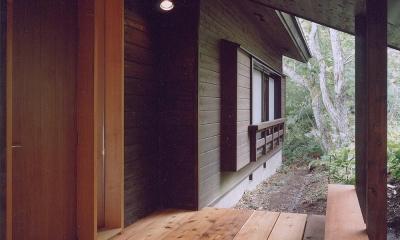 蓼科高原の家|大開口から八ヶ岳が一望できる週末住宅 (木の香る週末住宅|エントランス)