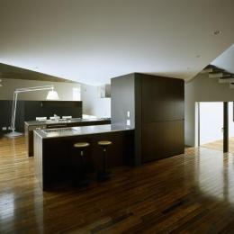四連の家 (カウンターキッチンのある空間)