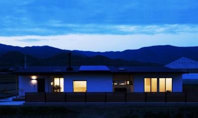 夕暮れ時の外観|IWS
