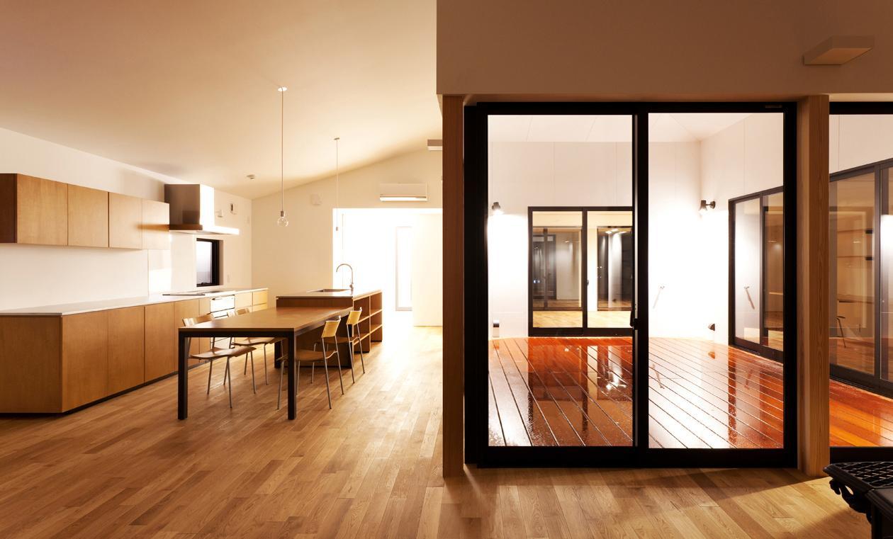 YAKの部屋 ダイニングキッチン・デッキスペース