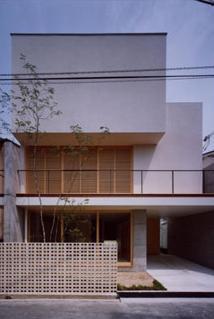 長岡京の家 Ⅰの部屋 木格子が印象的な外観