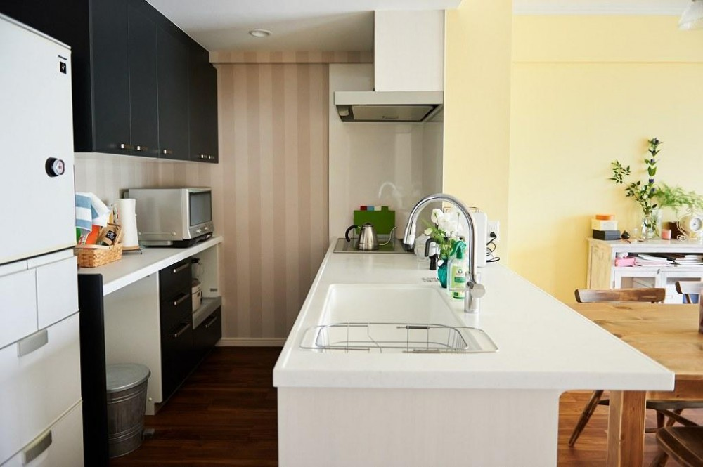インテリックス空間設計「部屋によって壁の色を楽しみたい。クラシカルフレンチのような雰囲気の空間」