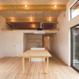 AI-HOUSE (梁の見える開放的なキッチン・ダイニング)