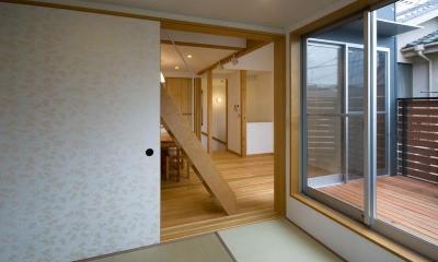 suijin_House (和室からダイニングキッチン)