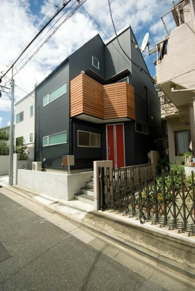 suijin_House (黒い外観)