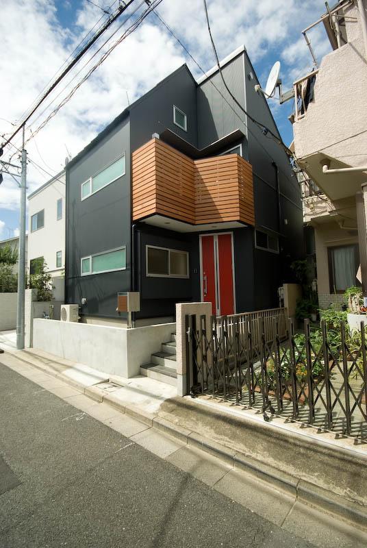suijin_Houseの部屋 黒い外観