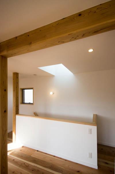 st_Houseの部屋 トップライトのある階段室