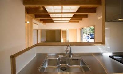 st_House (リビング全体が見渡せるキッチン)