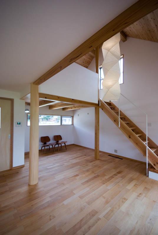 goma_Houseの部屋 吹き抜けのある居間 1