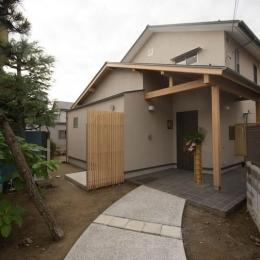0676_House-01 (長いアプローチから見た建物全景)