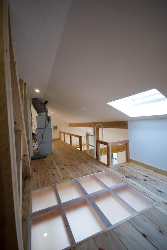 0676_House-01の部屋 天窓で明るいロフト 2