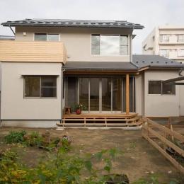 0676_House-01 (南の庭から建物全景を見る)