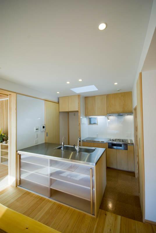 0676_House-01の部屋 オープンなキッチンのあるダイニングスペース 2