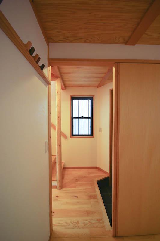 S.H._Houseの部屋 シンプルな玄関 2