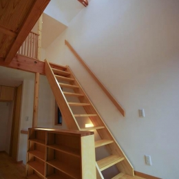 S.H._House (ロフトへ繋がる階段)