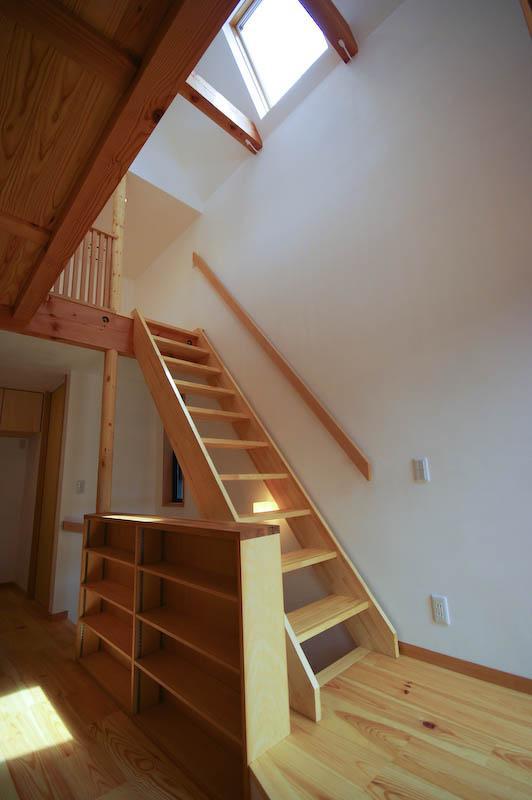 S.H._Houseの部屋 ロフトへ繋がる階段
