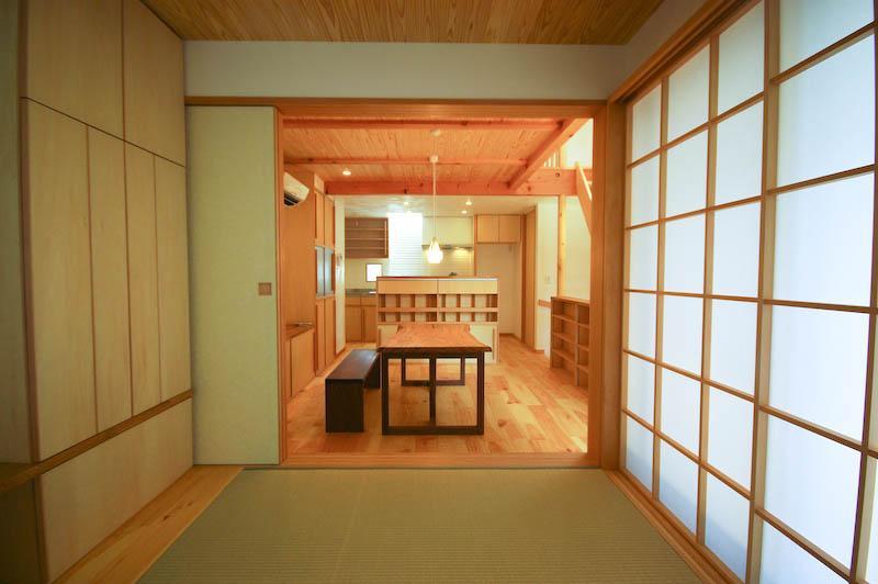 S.H._Houseの部屋 居間と繋がりのある和室