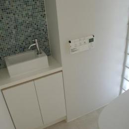 1階トイレと洗面コーナー