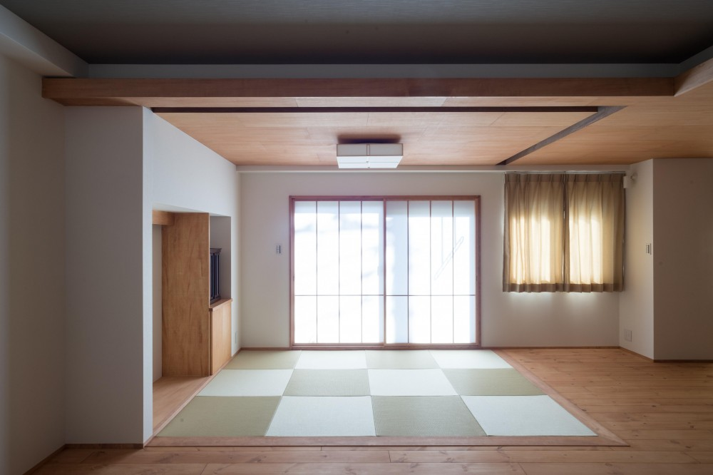 パントリーを備えたキッチンのある家:『杉田のリノベーションA』 (和室)