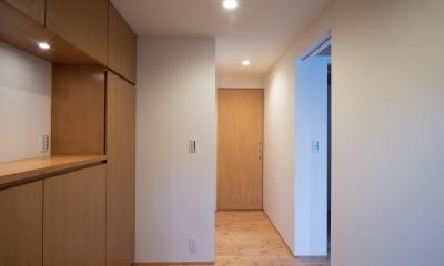 パントリーを備えたキッチンのある家:『杉田のリノベーションA』 (玄関)