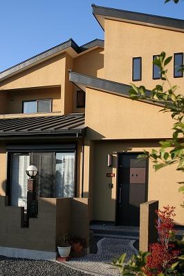 和小屋の家~大工のこだわりを活かした住まいの部屋 玄関アプローチ・外観
