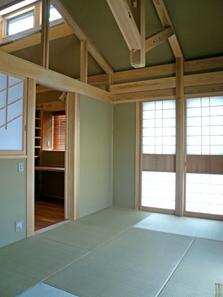 下北沢の家=東京都 瓢箪邸の部屋 琉球畳と珪藻土の壁と天井の和室