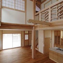 小田原の家=神奈川県 海風が通り抜ける吹抜けと大黒柱の家 (大きな吹き抜け)