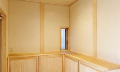 隠し取手のある下足収納|小田原の家=神奈川県 海風が通り抜ける吹抜けと大黒柱の家