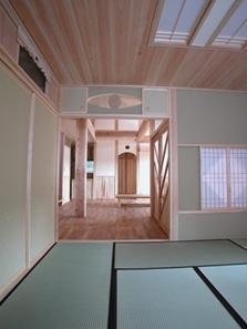 見沼の家=埼玉県 野草、野鳥と木工芸の家の部屋 高齢化に備えた1階での生活の充足性と引戸によるバリアフリー化