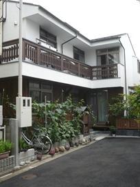 田園調布の家=東京都 光と風と子供たちを招く家の部屋 光と風が集う自然との語らいができる木の家