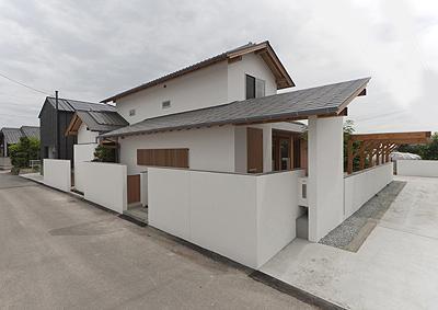 K邸 H19の写真 白い外観