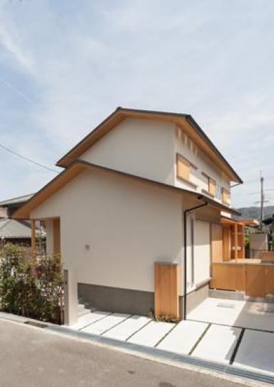 H邸 RE16 (増築したシンプルな外観)