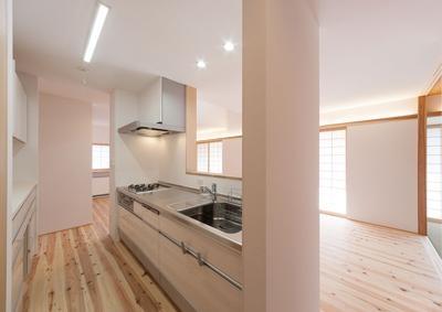 シンプルなキッチン (H邸 RE16)