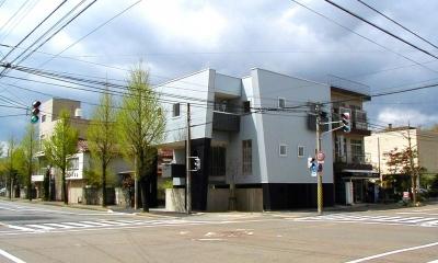 交差点の家