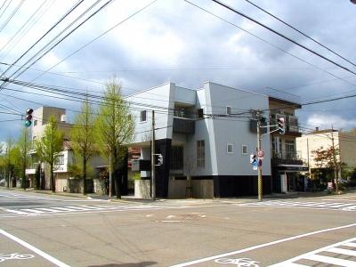 交差点の家 (外観)