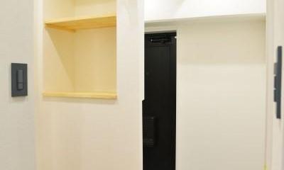 木材の共演。 (玄関からのアプローチ)