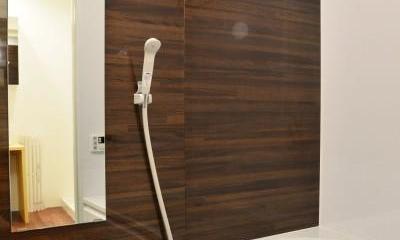 木材の共演。 (バスルーム)