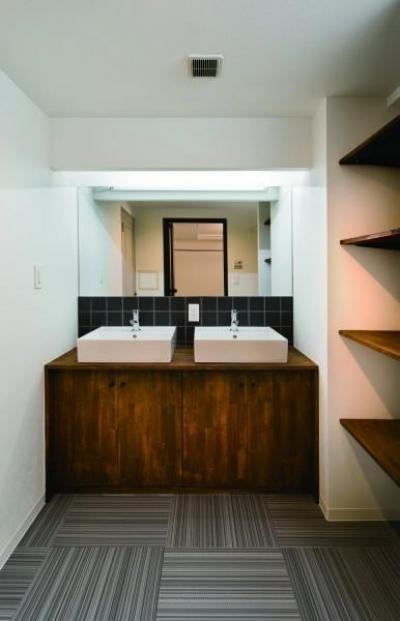 洗面室 (Classic Modern)
