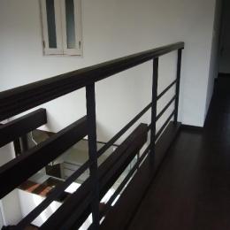 けやき坂の民家 (吹き抜け・2階廊下)