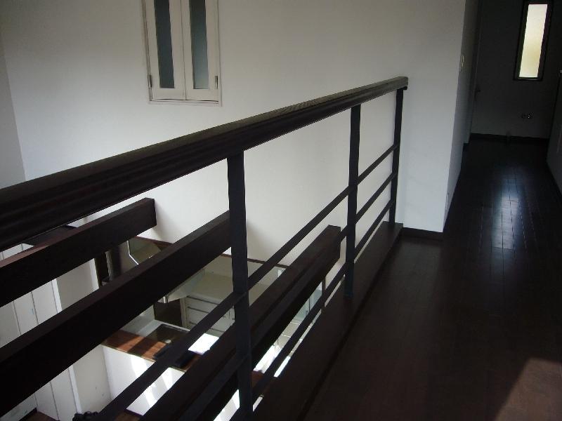 けやき坂の民家の部屋 吹き抜け・2階廊下