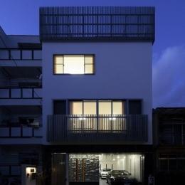 大阪城を望む都市型住宅 (ファサード (夜景))