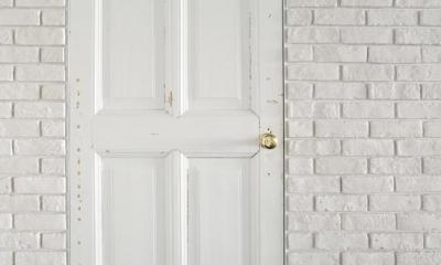 """S.L. —""""空間に置きたいもの""""を起点につくる部屋 (浴室ドア)"""