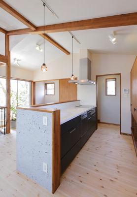 12tuboの部屋 開放感をもたらす対面キッチン