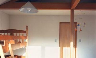 ローコストなデザイン住宅 (シンプルな子供部屋)