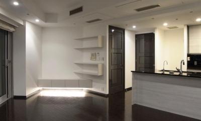 造作家具で壁面に広がりをプラス (LDK)