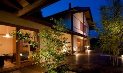 高根の舎Ⅰ (自然材料のみで造り上げる二世帯住宅)